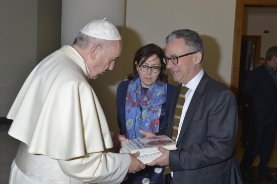 Austen Ivereigh presents Pope Francis with a copy of The Great Reformer. Photo © Osservatore Romano